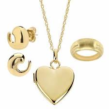 velentine gold jewelry heart shaped