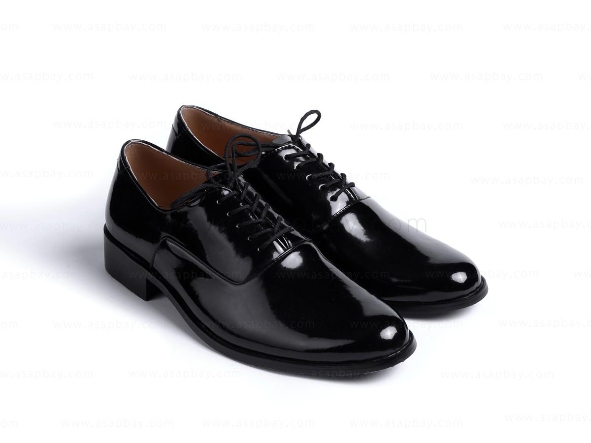 Men branded shoes