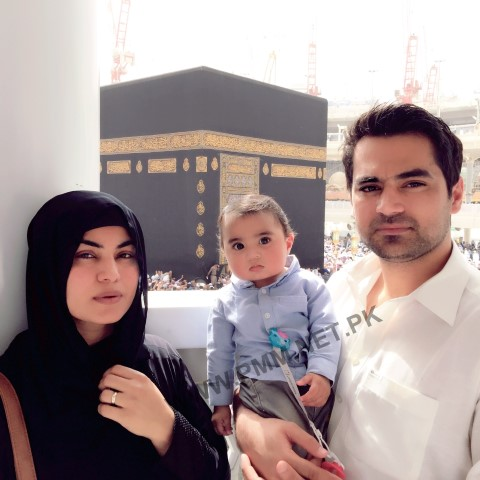 Veena-Malik-Khan-with-Asad-Bashir-Khan and her son ABram-Perform-umrah