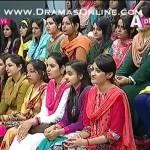 Pakistani fashion or Foreign fashion me kia fark he or dramatize kapre kia real life me pehne ja sakte hein??