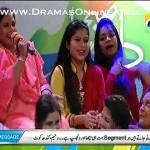 1 Aurat Aamir Liaquat k show me Pagalon ki tarah Hasne Lagi or Mana karne per bhi na ruki
