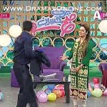 Bollywood Superstar Salman Khan Javeria Abbasi k show me agaye or unke liye special song ga dala