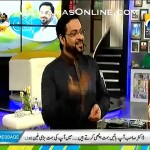Dr Aamir Liaquat Telling and showing funny clips of politicians jinki zuban phisal gayi