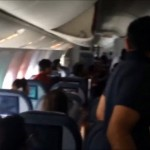 No AC in PIA Airplane and Some Passengers Lost Conscious.. Check out the Reaction of Passengers