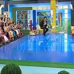 Sahir Lodhi kissed And Hugged Reema Khan In Live Show