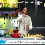 Ye Aamir Liaquat K Show per kia horaha he pehle astrologer ne unhe Kutte ki nasal bola phr jawab me unho ne Randwa bol dala